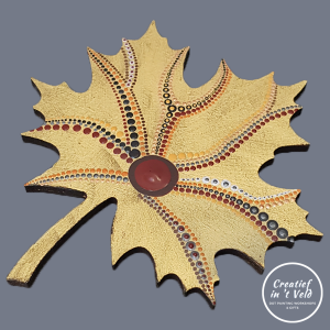 'Golden' autumn leaf